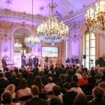 La ville de Bagneux reçoit le prix « Équipements sportifs ».