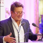 Pierre Sacksteder, Directeur Général de Newsco Group
